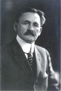 """Albert Michelson"" uploaded by Bunzil via Wikimedia Commons and released by AstroLab"